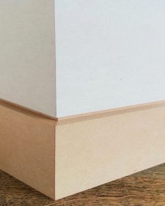 Recessed skirting board